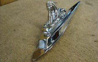 Chrome Sphinx Bonnet Motif